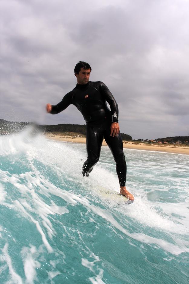 rent a surfboard san sebastian